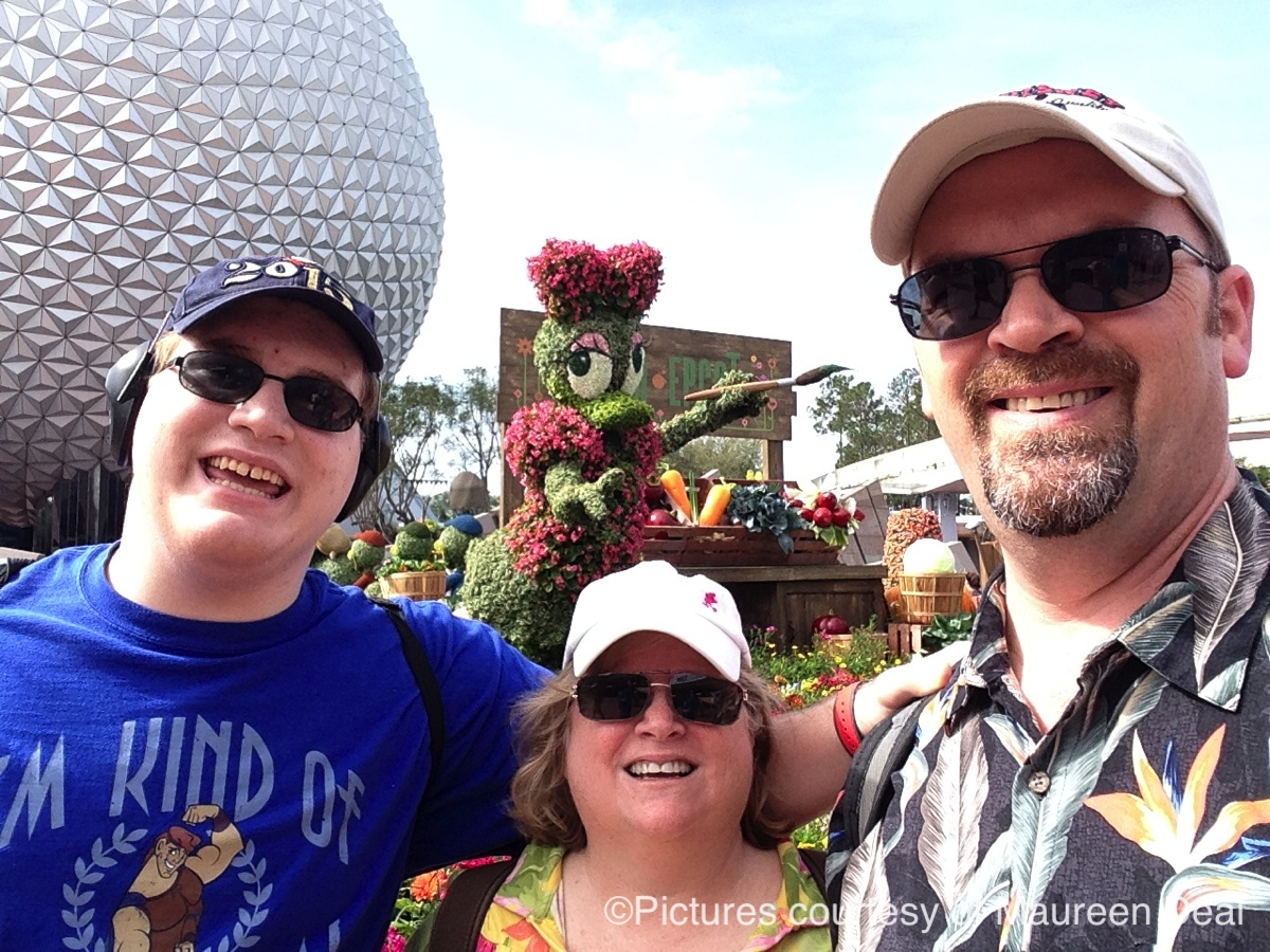 maureen-with-family-in-epcot