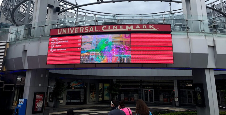 Universal Cinemark Tenet featured
