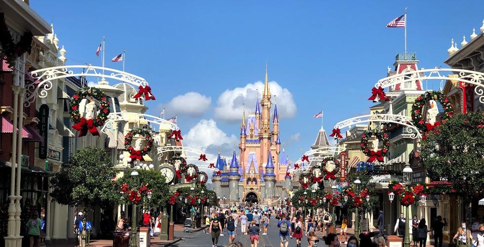 Magic Kingdom Christmas 2020 featured