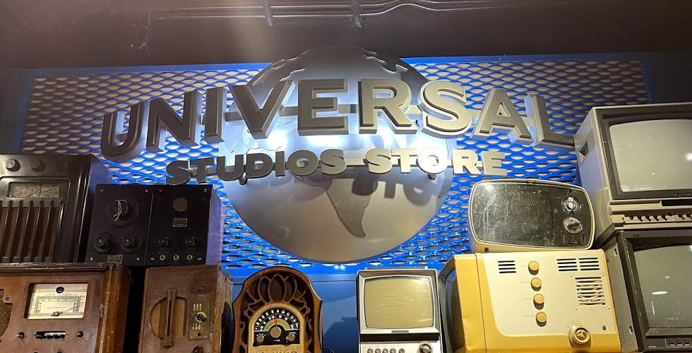 CityWalk Universal Studios Store Retro